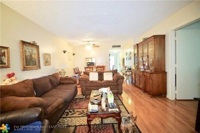 Tamarac Condo/Townhouse For Sale: 6050 NW 64th Ave #110
