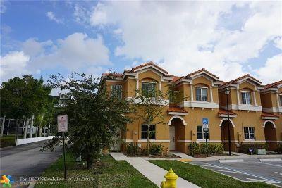 Tamarac Condo/Townhouse Backup Contract-Call LA: 5948 Woodlands Blvd #5948