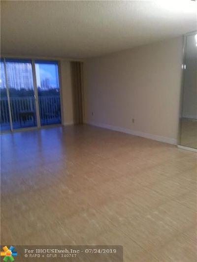 Aventura Condo/Townhouse For Sale: 2851 NE 183rd St #711E
