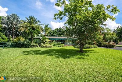 Davie Single Family Home For Sale: 10751 SW 25th St