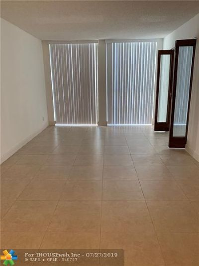 Hallandale Condo/Townhouse For Sale: 2000 Atlantic Shores Blvd #107