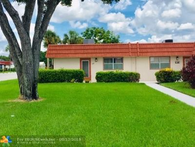 Delray Beach Condo/Townhouse For Sale: 120 Seville D #120