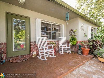 Boca Raton Single Family Home For Sale: 22210 Concha Ave