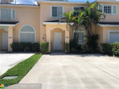 Deerfield Beach Condo/Townhouse For Sale: 1484 SW 47th Ave #1484