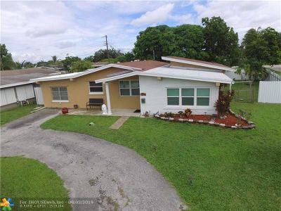 Pembroke Pines Single Family Home For Sale: 8421 NW 15th St