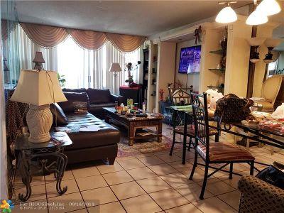Davie Condo/Townhouse For Sale: 9470 Live Oak Pl #405