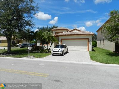 Coral Springs Single Family Home For Sale: 5300 NW 122nd Dr