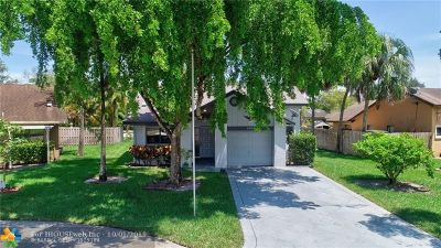 Coral Springs Single Family Home For Sale: 3891 NW 73rd Ter