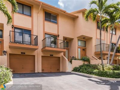 Pompano Beach Condo/Townhouse For Sale: 3244 NE 11th St #104