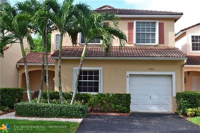Pembroke Pines Condo/Townhouse For Sale: 17810 SW 11th Ct #17810