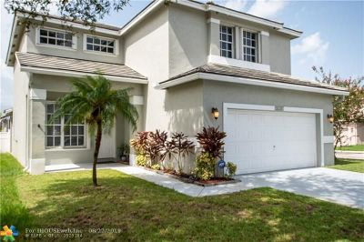 Pembroke Pines Single Family Home For Sale: 16201 NW 18th St