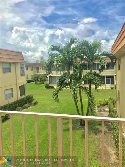 Delray Beach Condo/Townhouse For Sale: 233 Saxony #233