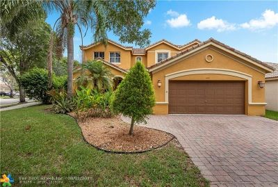 Weston Single Family Home For Sale: 4424 E Fox Ridge Dr