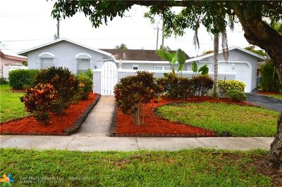 Lauderhill Single Family Home For Sale: 8250 NW 45th Ct
