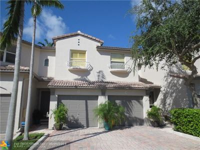 Lauderdale By The Sea Condo/Townhouse For Sale: 1900 Oceanwalk Ln #116
