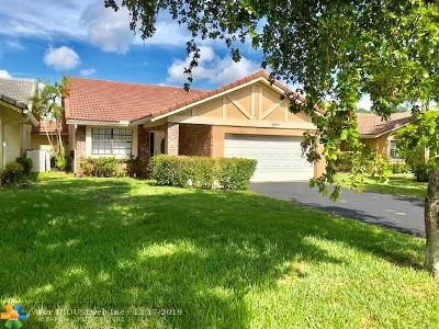 Coral Springs Single Family Home For Sale: 2464 NW 94th Ave