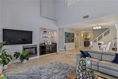Boca Raton Condo/Townhouse For Sale: 22712 Meridiana Dr