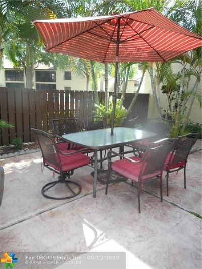 Coconut Creek Condo/Townhouse For Sale: 3785 Cocoplum Cir #3785