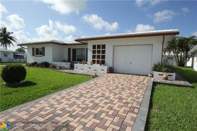 Tamarac Single Family Home For Sale: 8300 NW 57th Pl