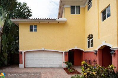 Condo/Townhouse For Sale: 1636 NE 5th Ct #1636