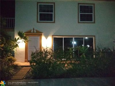 Tamarac Condo/Townhouse For Sale: 5600 NW 59th St #6