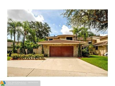 Deerfield Beach Single Family Home For Sale: 3308 Lake Shore Dr