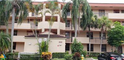 Coconut Creek Condo/Townhouse For Sale: 4133 Carambola Circle S #G203