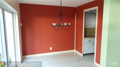 Wilton Manors Condo/Townhouse For Sale: 7 Coventry Way