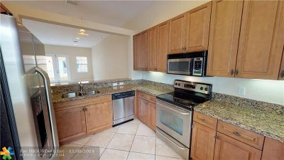 Pompano Beach Condo/Townhouse For Sale: 2244 NE 2nd St #2244