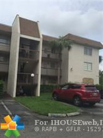Plantation Condo/Townhouse For Sale: 7480 NW 17th St #310