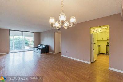 Pembroke Pines Condo/Townhouse For Sale: 1400 Saint Charles Pl #316