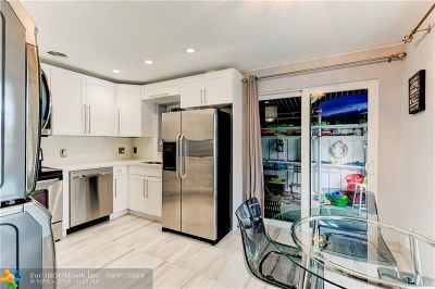 Pompano Beach Condo/Townhouse For Sale: 2708 NE 14th Street Cswy #7