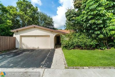 Cooper City Single Family Home For Sale: 8750 SW 50th Pl