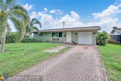 Pembroke Pines Single Family Home For Sale: 8520 NW 16th St