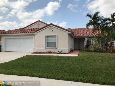 Miramar Single Family Home For Sale: 13640 SW 20th St