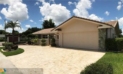 Tamarac Single Family Home For Sale: 5720 S Bayberry Ln