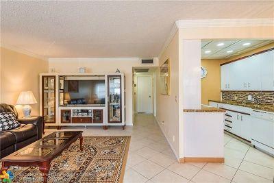 Boca Raton Condo/Townhouse For Sale: 2043 Cornwall C #2043