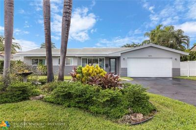 Pompano Beach Single Family Home For Sale: 1071 NE 28th Terrace