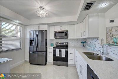 Coconut Creek Condo/Townhouse For Sale: 3202 Portofino Pt #E2