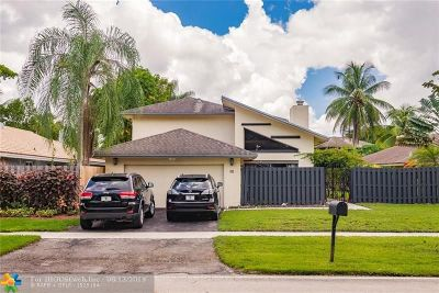 Plantation Single Family Home For Sale: 30 Torchwood Ave