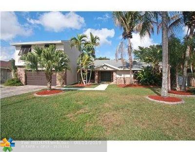 Davie Single Family Home For Sale: 14761 Madison Pl