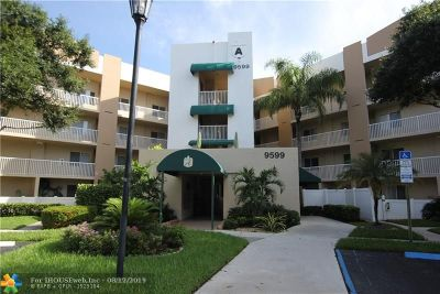 Tamarac Condo/Townhouse For Sale: 9599 Weldon Cir #401