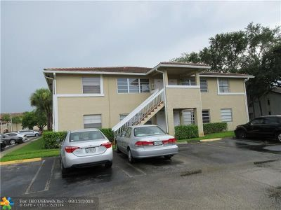 Coral Springs Condo/Townhouse For Sale: 842 Twin Lakes Dr #19D