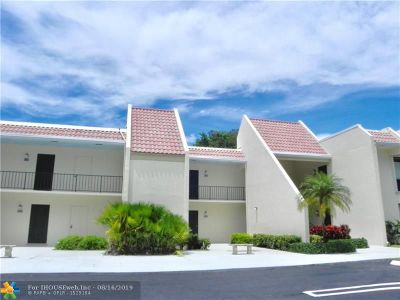 West Palm Beach Condo/Townhouse For Sale: 1823 Presidential Way #E101