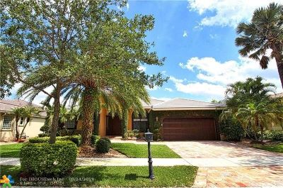 Weston Single Family Home For Sale: 2674 Oakbrook Dr
