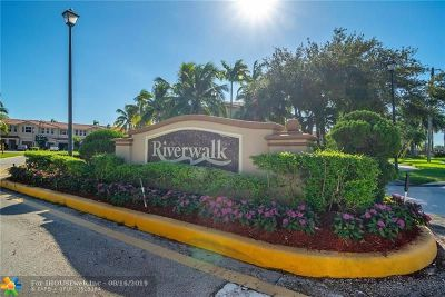 Sunrise Condo/Townhouse For Sale: 258 Riverwalk Cir #258