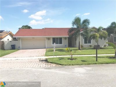 Lauderhill Single Family Home For Sale: 7311 NW 46th St