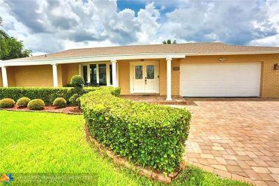 Tamarac Single Family Home For Sale: 9202 NW 73rd St