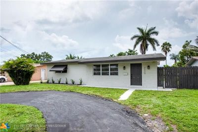 Pembroke Pines Single Family Home For Sale: 7770 NW 14th St