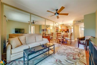 Wilton Manors Condo/Townhouse For Sale: 2911 NE 8th Ter #103